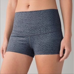 Lululemon Dottie Dash Boogie Shorts Roll Down